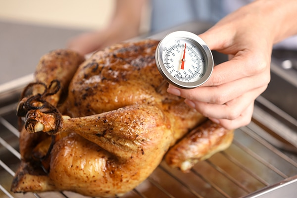 safely thaw turkey